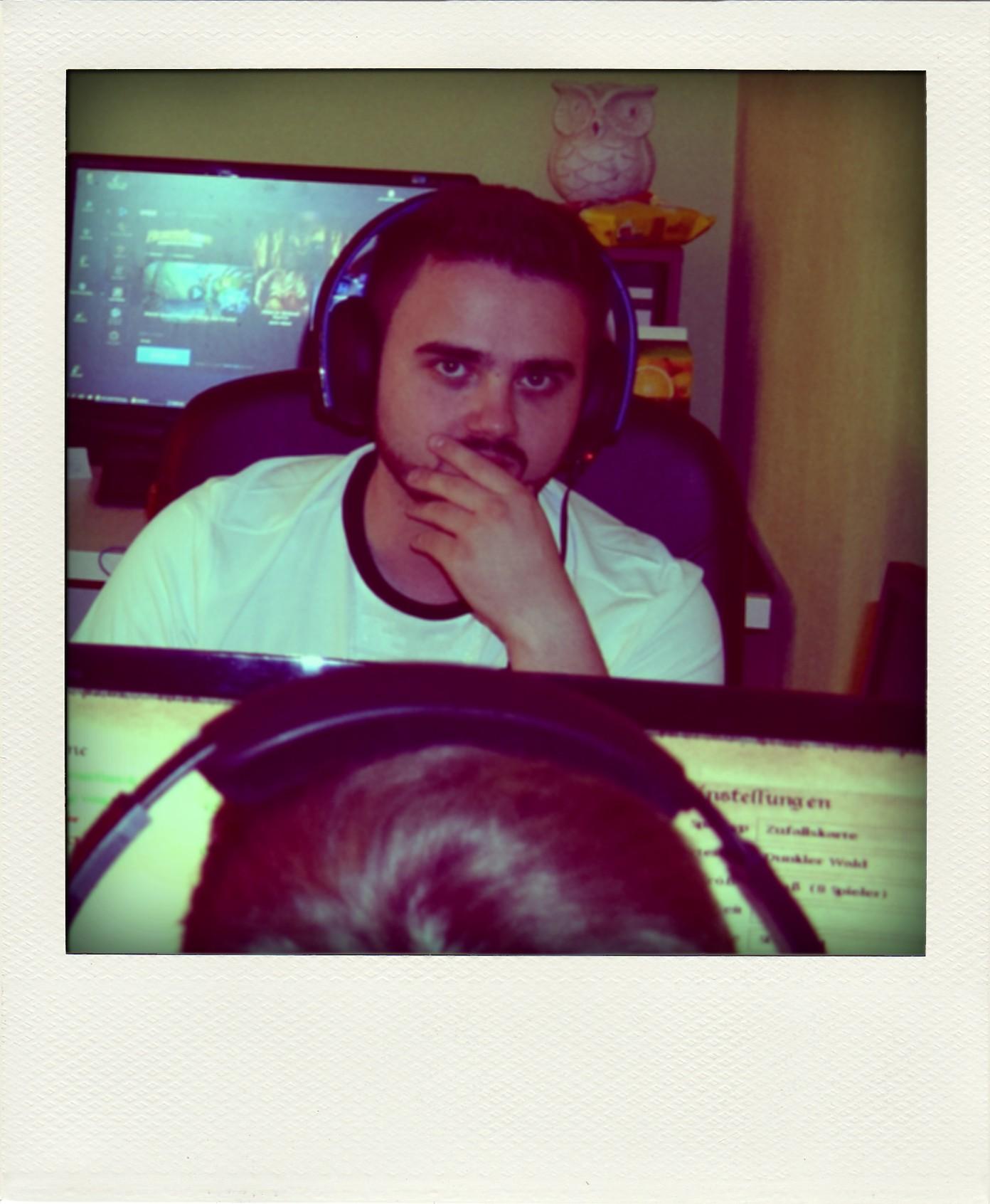 LAG_MonkeyGo_Polaroid